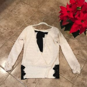 Long sleeve backless sweater